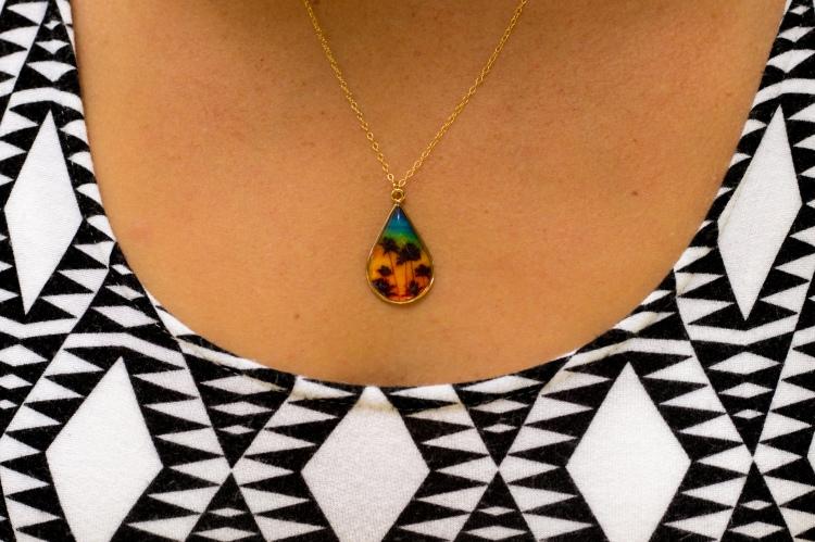vermilli necklace closeup-1